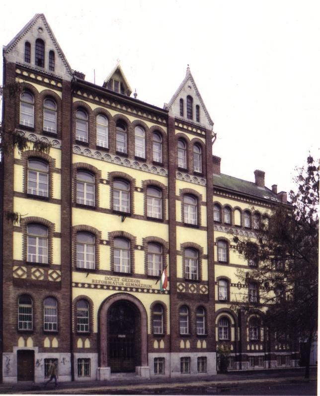 DRK Dóczy Gimnáziumának épülete