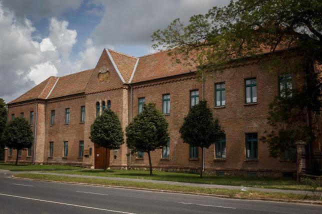 Fotó az iskoláról