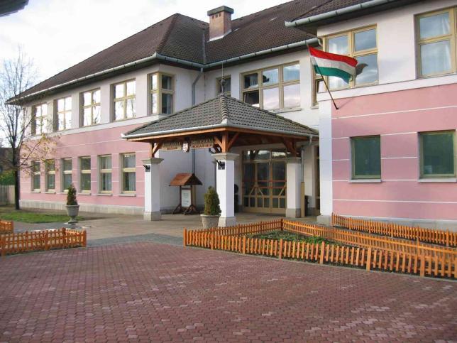 Az iskola épülete