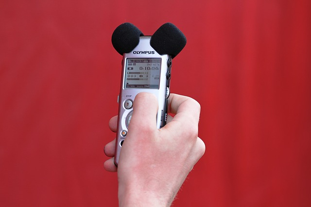 Hangfelvétel készül a szóbeli nyelvvizsgákon