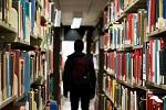 Hiába a tablet, hiába az e-könyv, a könyvtárak népszerűek